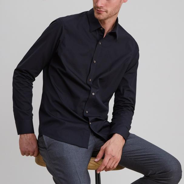 Standard Poplin Black Shirt