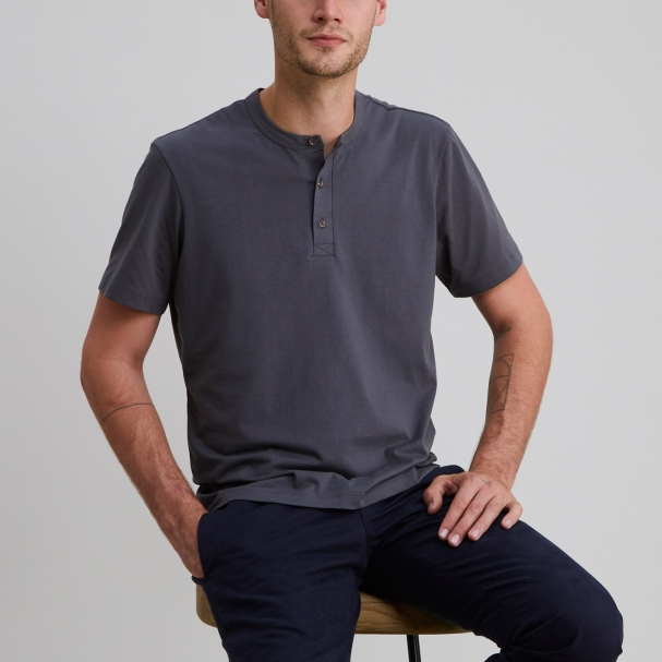 Short Sleeve Henley Charcoal